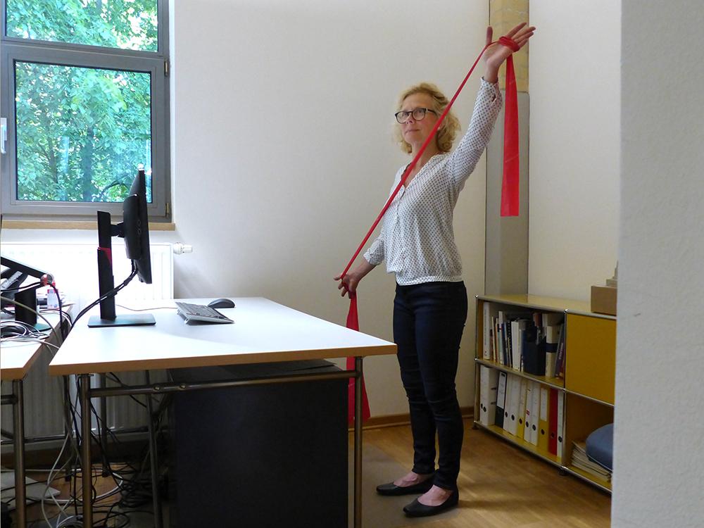 Rücken_gesund_am_Arbeitsplatz_Pilates_Studio_Lichterfelde
